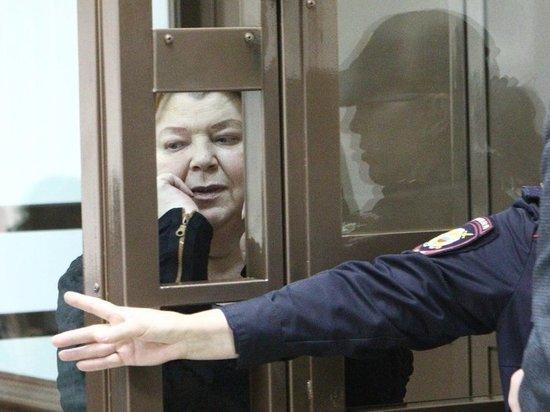 От возвращения в его театр бухгалтера Масляевой Розовский онемел
