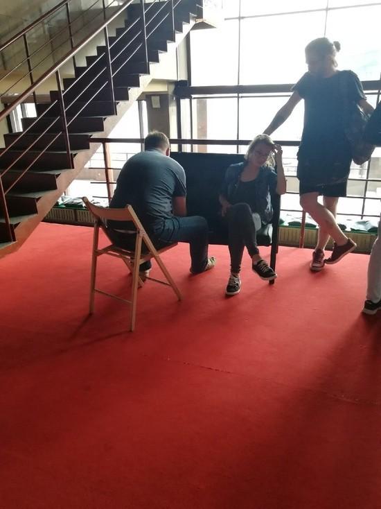 Миграционная служба сорвала лекцию шотландской студентки в Красноярске