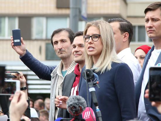 Самых активных оппозиционных кандидатов  в Мосгордуму до последнего не снимали с дистанции