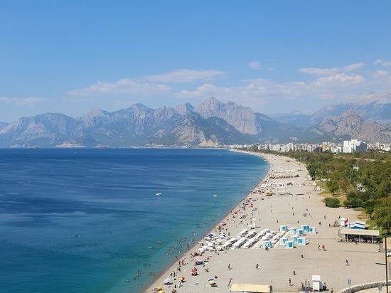 Турция решила заманить российских туристов большими скидками