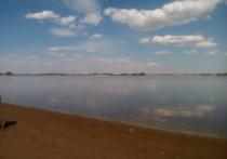 В Димитрово из водохранилища сливают воду