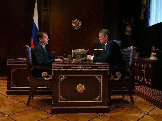 Медведев обещал поддержать создание особой экономической зоны в Башкирии