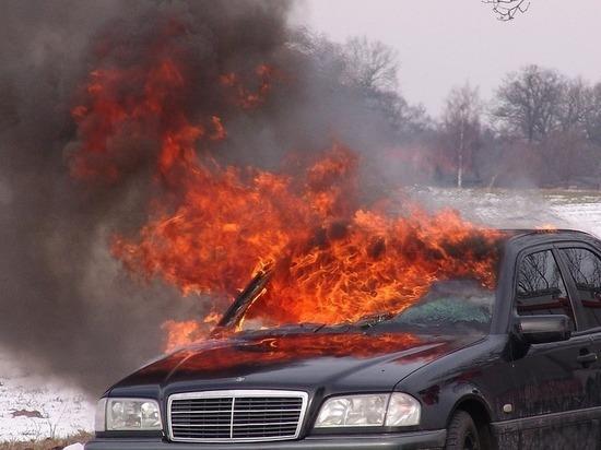 Еще один автомобиль сгорел в Узловой