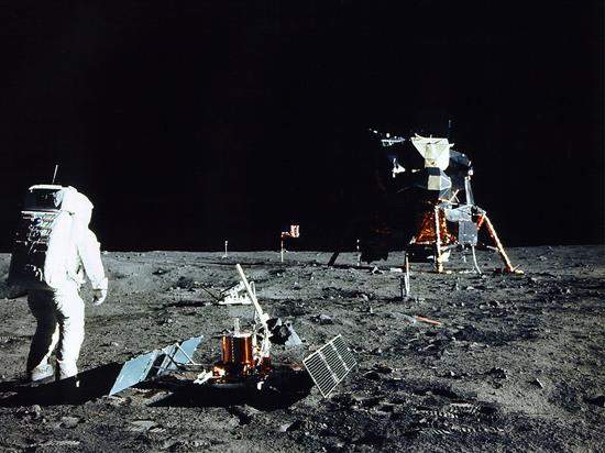 Пятьдесят лет назад, люди совершили самое грандиозное путешествие в истории