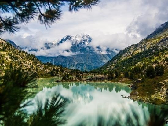 Фото озера на Алтае победило в конкурсе #РоссияБольшеЧемТыДумаешь
