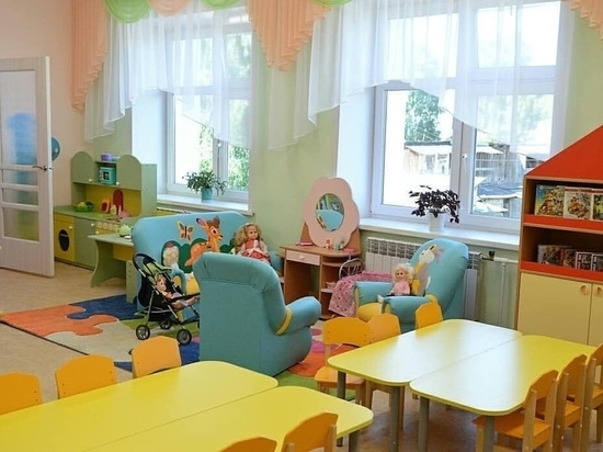 В администрации Кирова рассказали о распределении путевок в детские сады