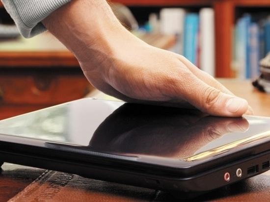 У работницы магазина в Тверской области украли ноутбук