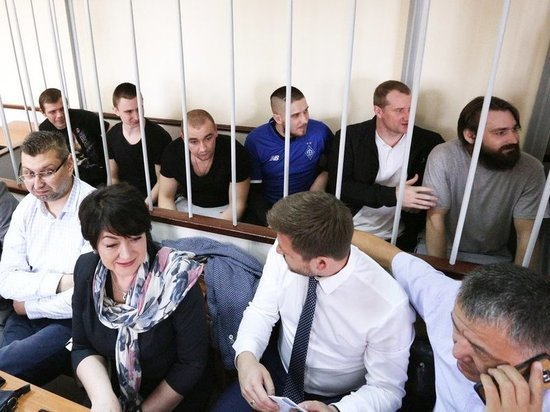 Украинских моряков не отпустят до выборов