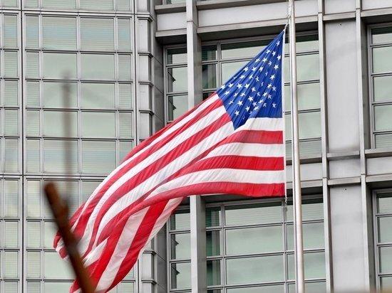 «Вашингтон лжет»: МИД прокомментировал невыдачу виз преподавателям Англо-американской школы