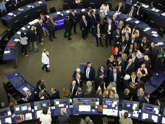 Новый состав Европарламента намерен нанести удар по интересам России