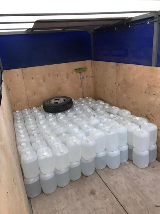 У жителя Башкирии полицейские изъяли 17 тысяч литров поддельного алкоголя