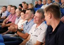 Работникам Алтай-Кокса вручили высокие награды