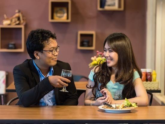 Названа страна, в которой вкусную еду предпочитают сексу