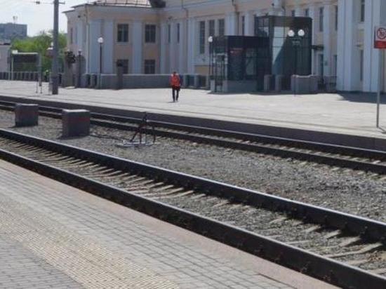 Возбуждено уголовное дело из-за схода девяти вагонов-самосвалов на Урале