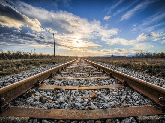 Липецкого рабочего сбил поезд
