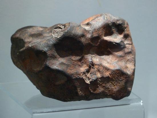 Австралиец годами хранил метеорит, посчитав его золотым самородком