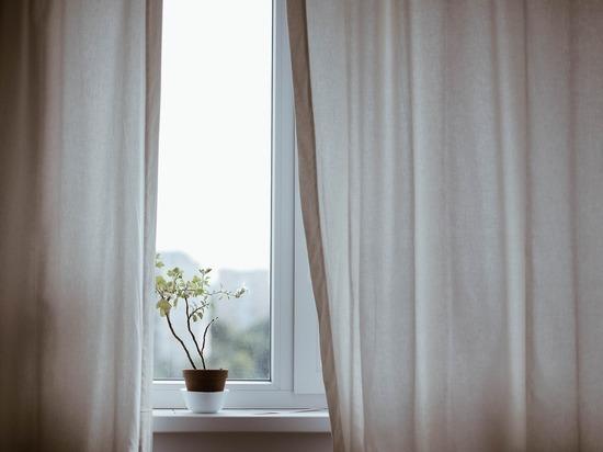 В Рязани пенсионер погиб, выпав из окна