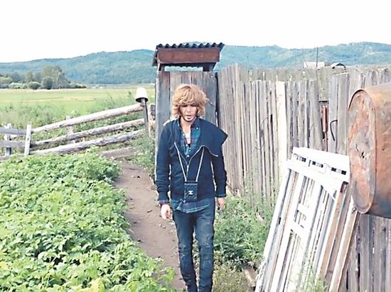 В родной деревне стилиста Зверева его перепутали с тётей