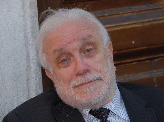 Умер итальянский писатель и режиссер Лучано Де Крешенцо