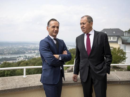 «Петербургский диалог» призвал к упрощению визового режима