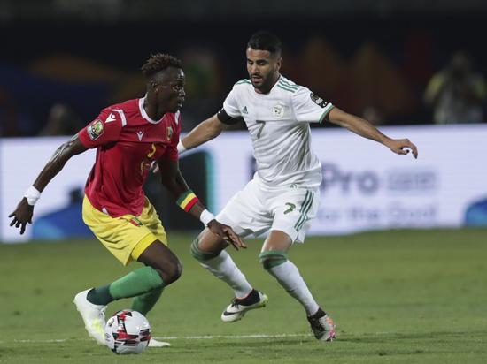 Сборные Сенегала и Алжира разыграют континентальный трофей