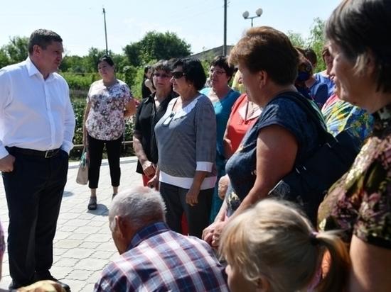 Андрей Бочаров вместе с жителями Клетского района обсудил планы на пятилетку