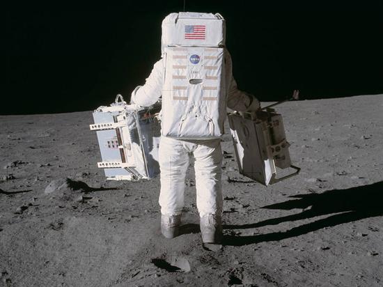 Миссия Аполлон-11: насколько сложно было бы фальсифицировать лунную высадку