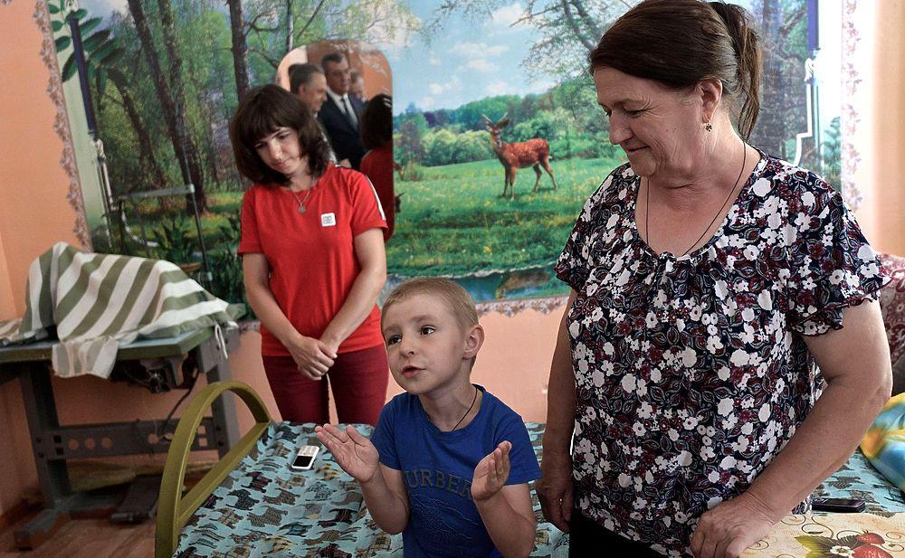 Путин посетил Тулун: дал обещание мальчику восстановить затопленный детский сад