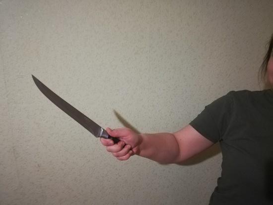 Оренбурженка убила сожителя кухонным ножом