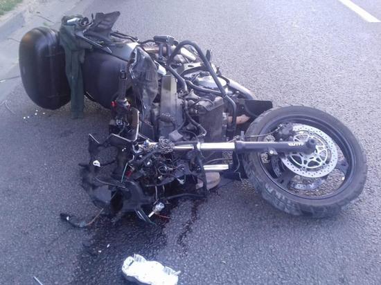 В Воронеже мотоциклист насмерть сбил пешехода и врезался в ВАЗ