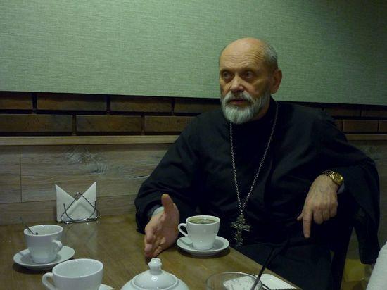 Тверской священник рассказал, почему Церковь строит храмы, а не больницы