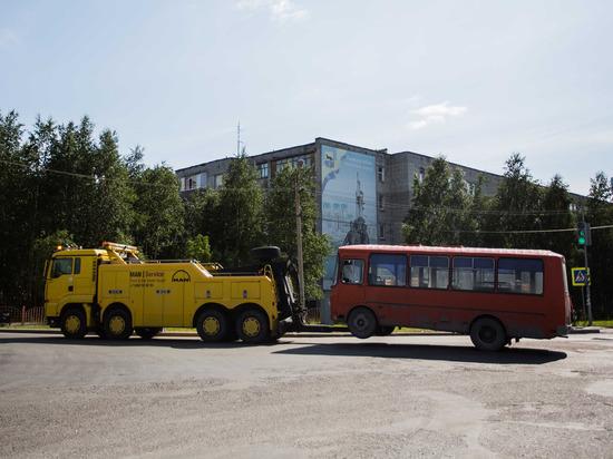 Почти как Хатико: верный автобус год ждал владельца на сургутском вокзале
