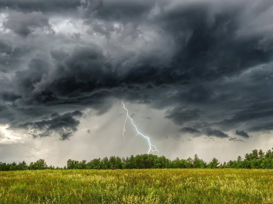 МЧС предупреждает южноуральцев о надвигающемся шторме