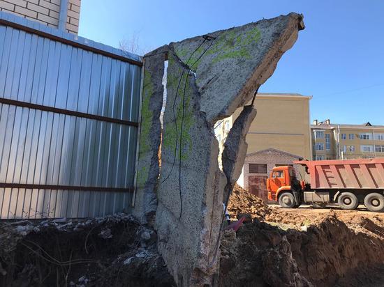 Как в опаснейшей зоне калмыцкой столицы жилой дом строят