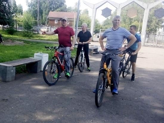 Чиновники-велосипедисты продолжили осмотр Нововятска