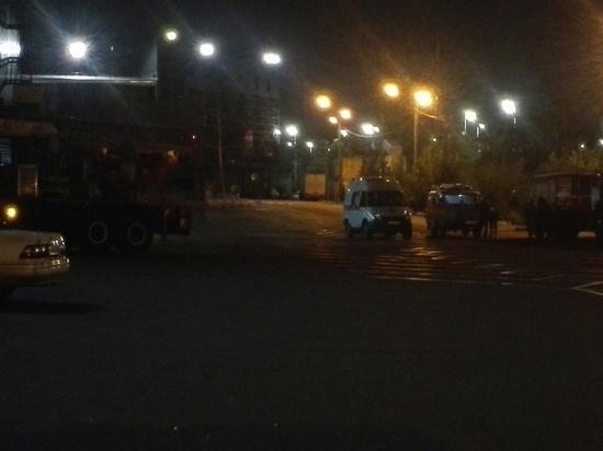В Улан-Удэ с крыши «Пиплс Парка» сняли двух человек