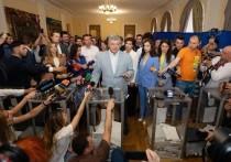 Порошенко на выборах Рады пообещал
