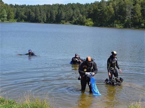 Казанцы собрали на озере Лесном 130 мешков мусора