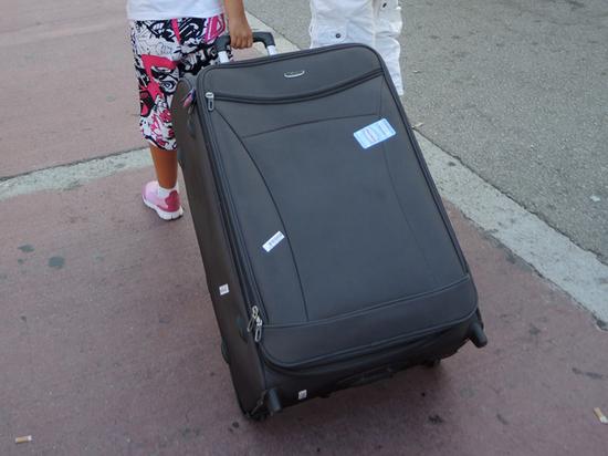 Суд разрешил пассажирам самолетов раскладывать вещи по чемоданам на свой вкус