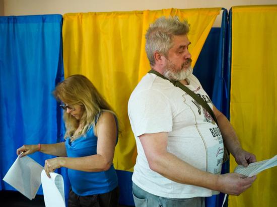 Украина оказалась не готова к выборам в Раду: Зеленский перемудрил