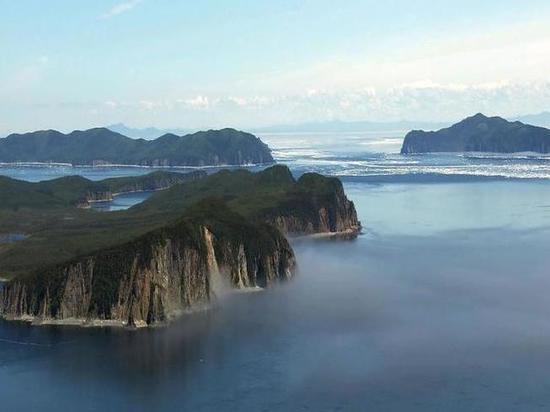 Военные очищают остров Большой Шантар от металлолома