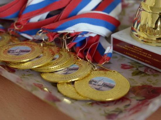 Росгвардейцы из Бурятии стали лучшими по самбо в Восточном округе