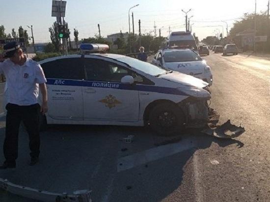 В Феодосии автомобиль ДПС столкнулся с «Ниссаном»