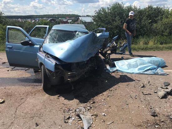 Авария в Башкирии унесла жизнь 52-летнего водителя, пострадали двое детей
