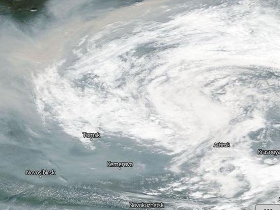 В Восточной Сибири горит около 1 миллиона гектаров тайги, дым от них ветра несут на запад