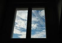 Девятилетняя девочка выпала из окна в Ноябрьске