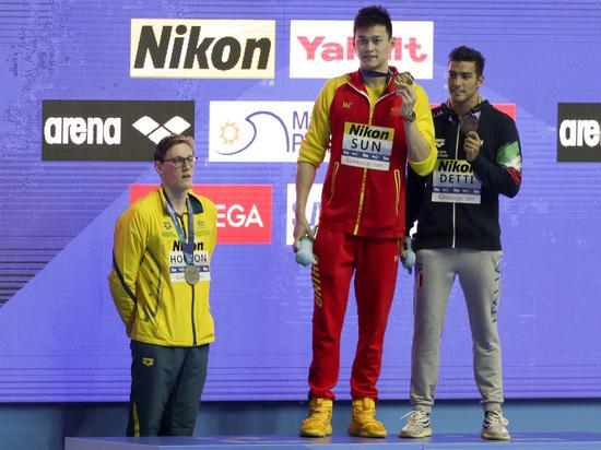 Скандал на ЧМ: соперники бойкотируют чемпиона, скрывшего допинг-пробу