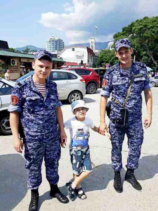 В Ялте росгвардейцы отыскали убежавшего от мамы ребенка