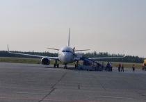 Соцсети: дебошир сорвал вылет самолета из Ноябрьска в Москву