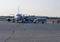 Четырех пьяных пассажиров сняли с рейса из Ноябрьска в Москву